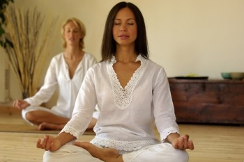 sitting-meditation-dynamic-meditation